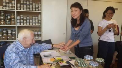 Prof. Edelbauer und Frau Cheng - ein gut eingespieltes Team