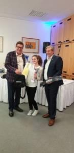v.l.: Dir. Loskot, Nicole Leiter (Siegerin Geschmack) und Thomas Schlögl (Schlumberger)
