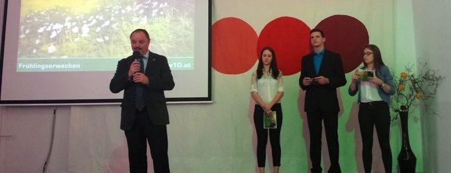 Direktor Süssenbacher und das Moderatorenteam begrüßen die anwesenden Gäste